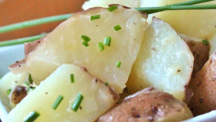 Boiled Potatoes with Chives
