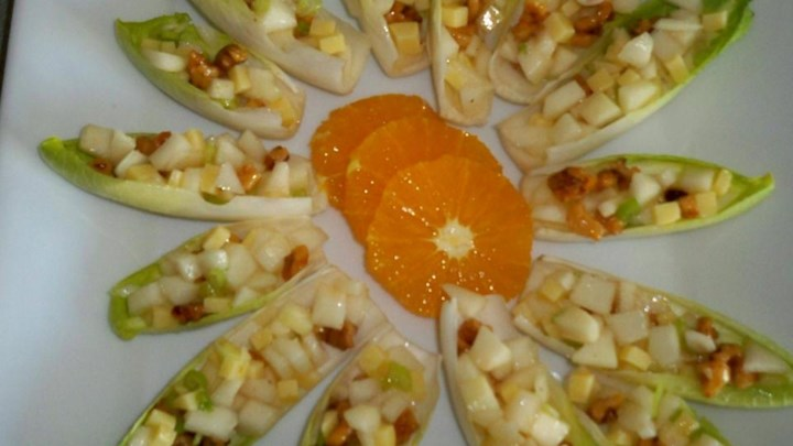 Endive Pear Salad Bites With Maple Vinaigrette