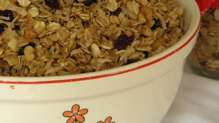 Mostly Oats Granola