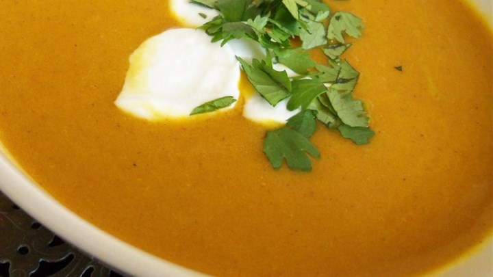 Vegan Carrot Curry Soup