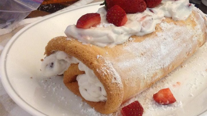 Angel Food Cake and Strawberry Cream Roll