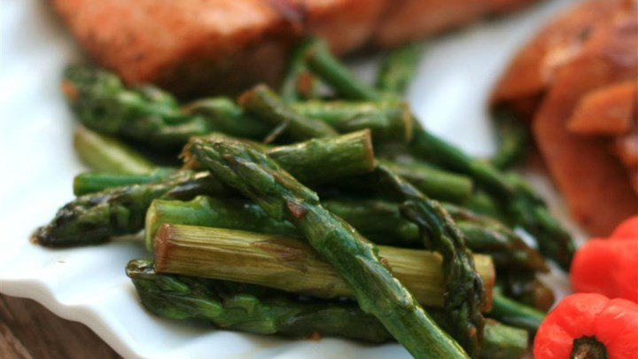 Garlic-Sauteed Asparagus