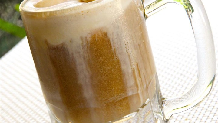 Rum-beer Float