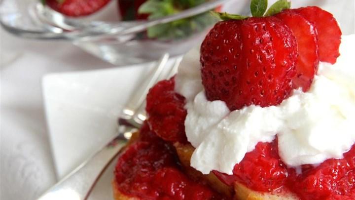 Super Easy Microwave Strawberry Jam