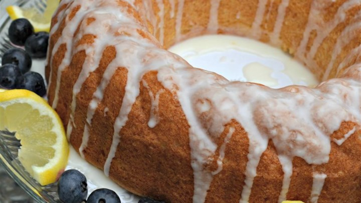 Quick and Easy Summer Limoncello Cake