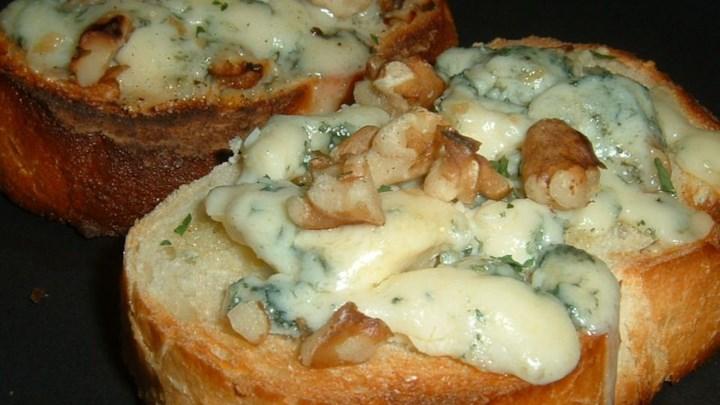 Blue Cheese Walnut Toasts