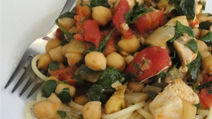 Pasta with Spinach and Chickpeas