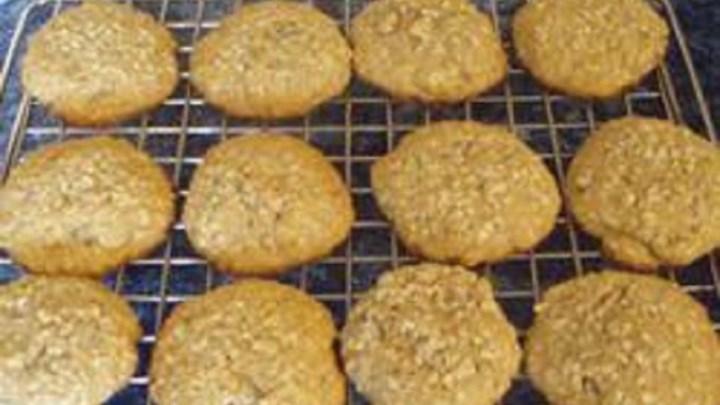 Amaranth Ginger Cookies