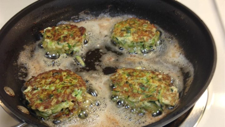 Low Carb Zucchini Pancakes