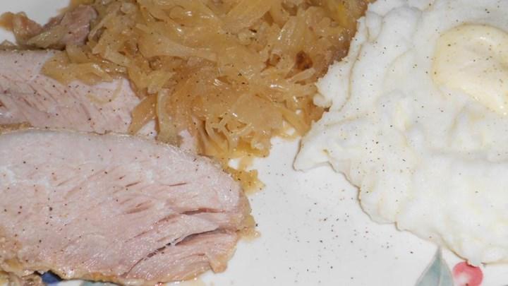 Slow Cooker Pork, Sauerkraut, and Beer