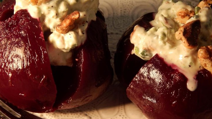 Baked Beet Root With Yogurt Walnut Dressing