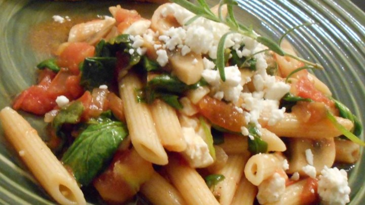 Suki's Spinach and Feta Pasta