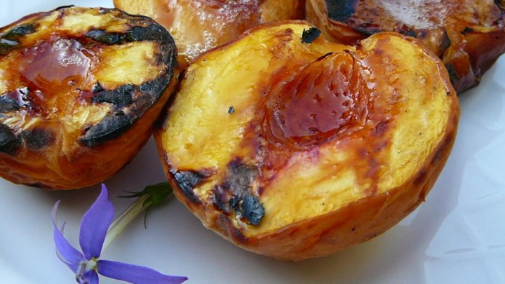 Sweet Grilled Peaches