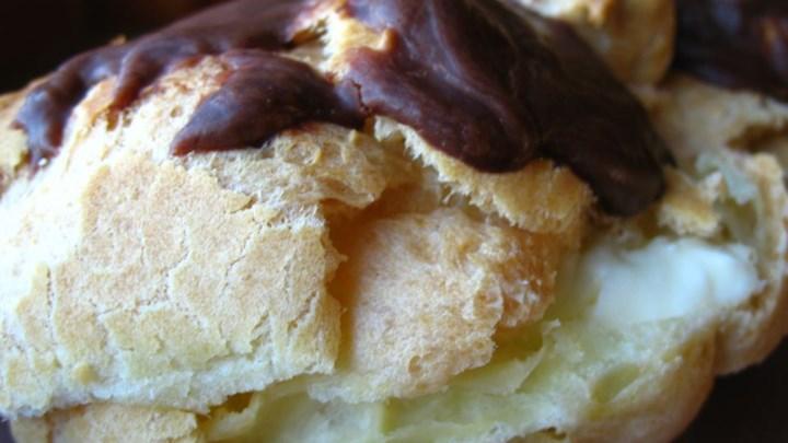 Almond Cream-Puff Ring
