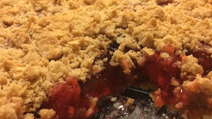 Cherry Crumble