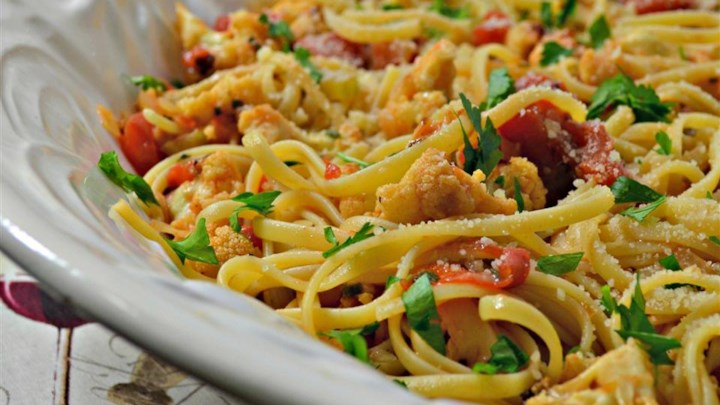 The Fridge Scavenger's Tomato and Cauliflower Pasta