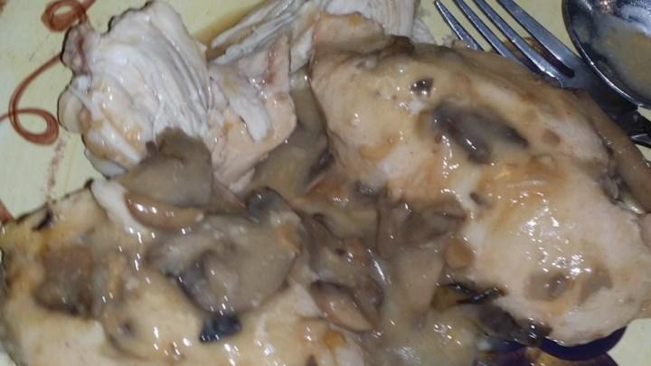 Crock Pot Cheesy Mushroom Chicken