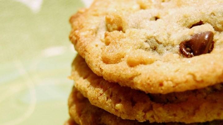 Granola-Chocolate Cookies