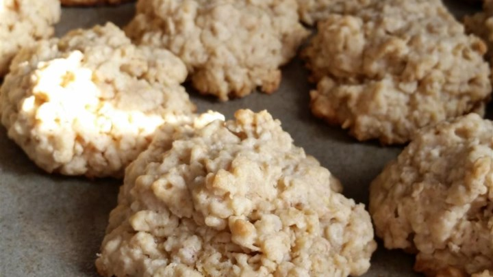 Mama's Chewy Oatmeal Cookies