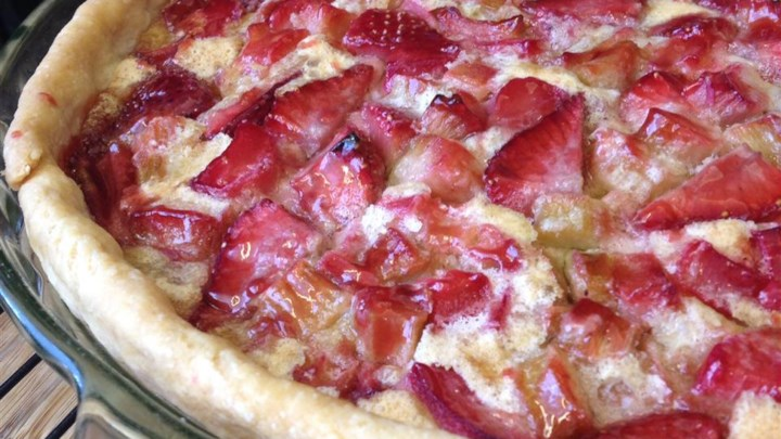 Strawberry Rhubarb Custard Pie