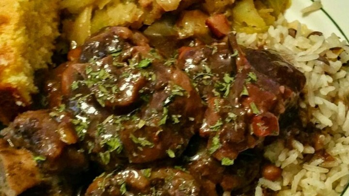 Braised Oxtails in Red Wine Sauce