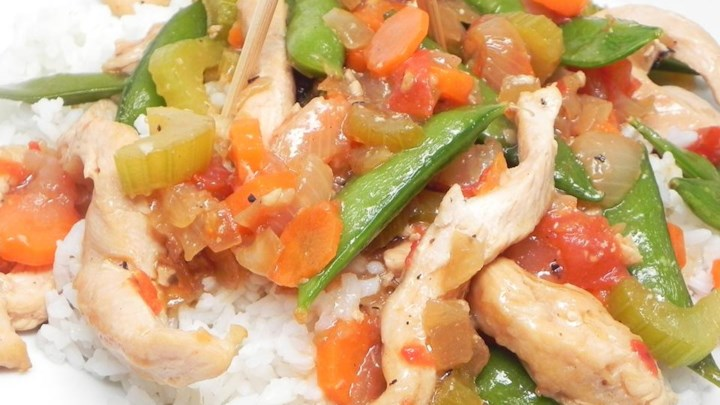 Chicken with Chicharo (Snow Peas)