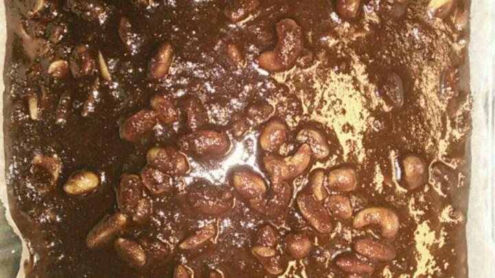 Old Southern Chocolate Pecan Sheet Cake