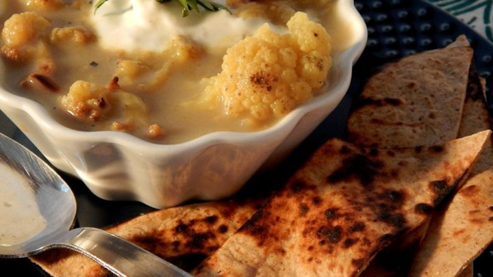 Curry Roasted Cauliflower Soup