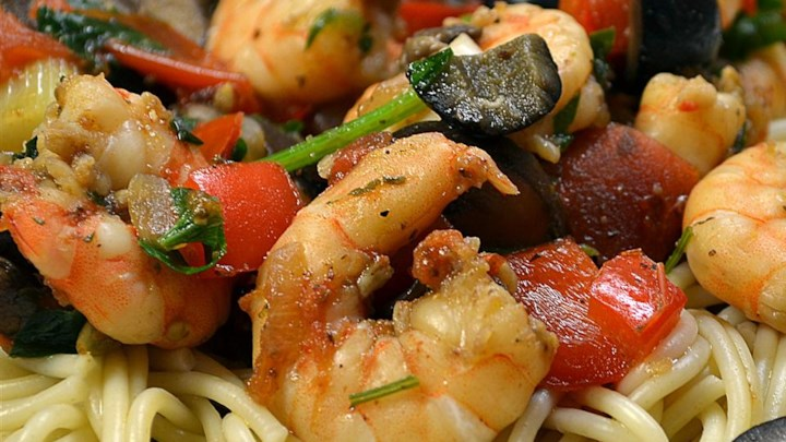 Shrimp Pasta with Tomato Basil Sauce