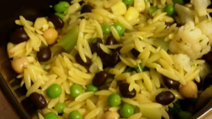 Seasoned Orzo and Black Beans