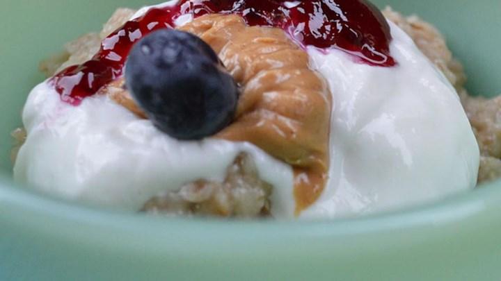 Greek Yogurt Oatmeal