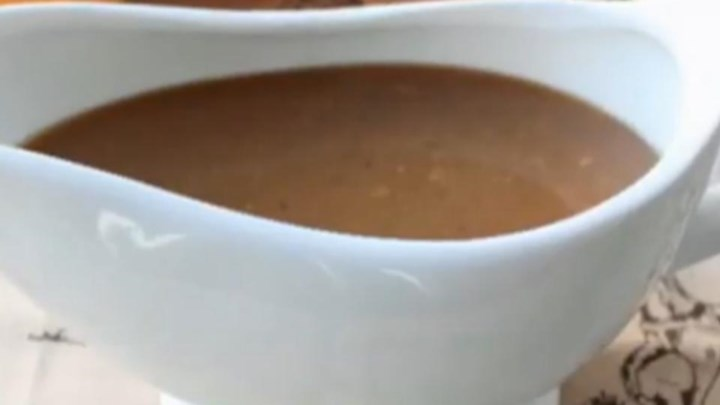 Make-Ahead Marsala Turkey Gravy