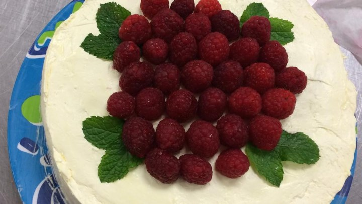 Low-Fat Lemon Raspberry Cake