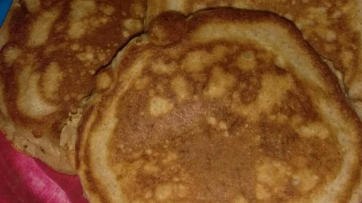 Granola Almond Pancakes