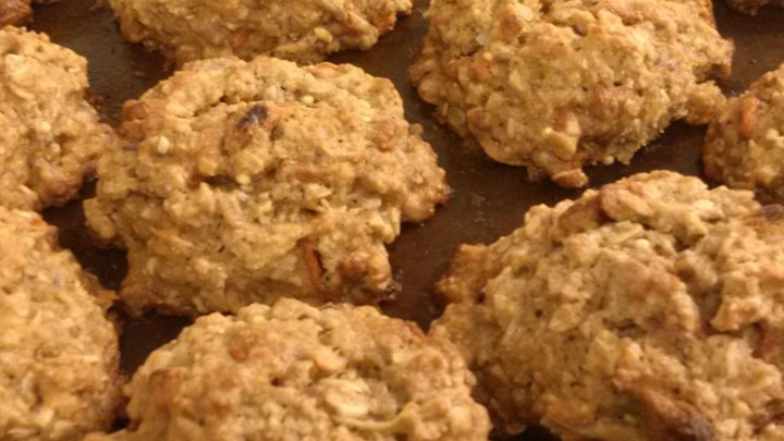 Oatmeal Banana Raisin Coconut Cookies
