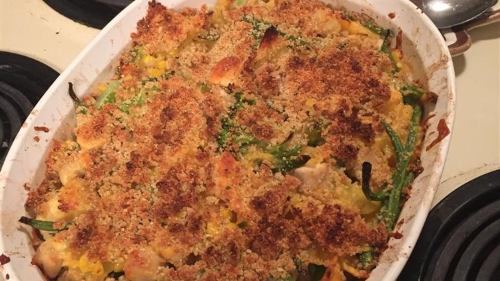 Easy Mac and Cheese Veggie Chicken Casserole from Country Crock®