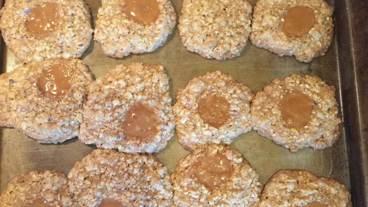 Caramel Chewy Oatmeal Cookies