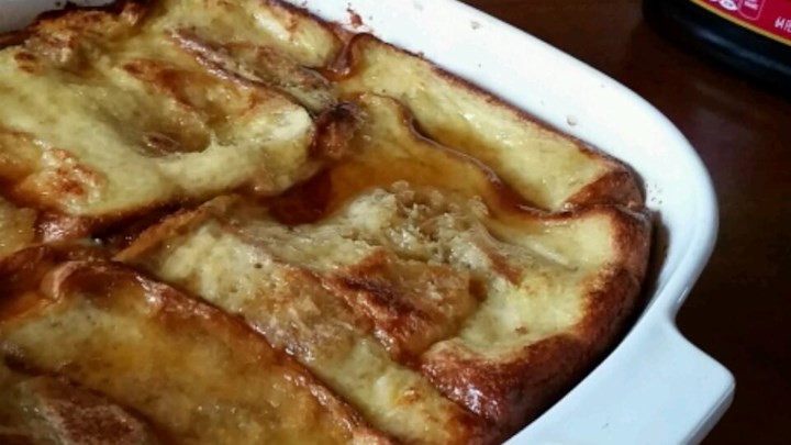 Overnight Apple Cinnamon French Toast