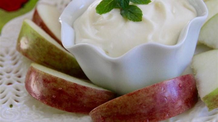Marshmallow Dip for Apple Slices