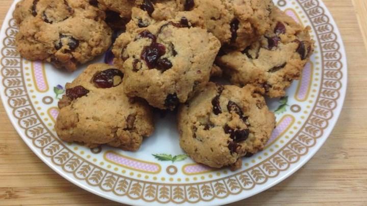 Paleo Almond Date Cookies