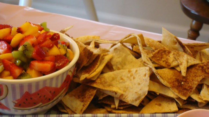 Fruit Salsa with Cinnamon Tortilla Chips