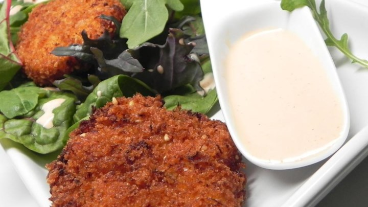 Asian Crab Cake Salad