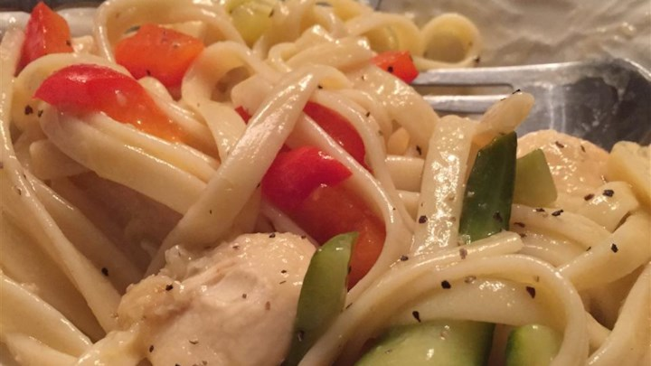 Lemon Pepper Pasta with Chicken and Vegetables