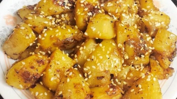 Spicy Sesame Potatoes (Til Aloo)