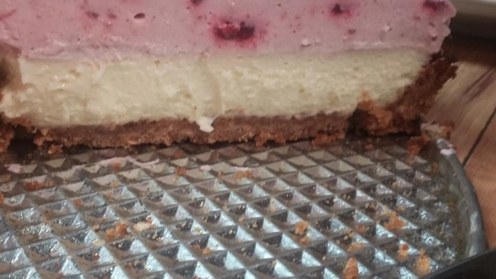 Raspberry Mousse Cheesecake