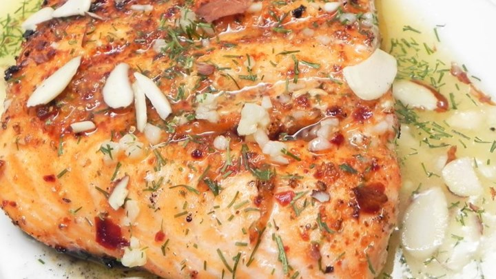 Lemon Dill Salmon with Garlic, White Wine, and Butter Sauce Recipe ...
