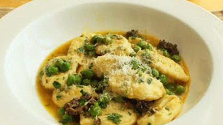 Ricotta Gnocchi with Fresh Peas and Mushrooms