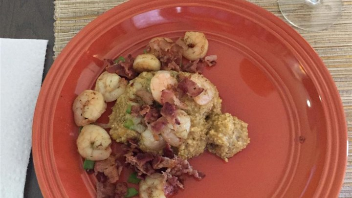 Shrimp and Cheesy Grits with Bacon