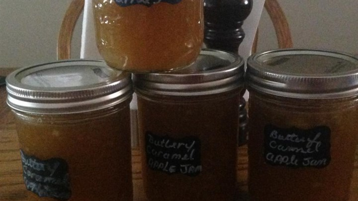Buttery Caramel Apple Jam
