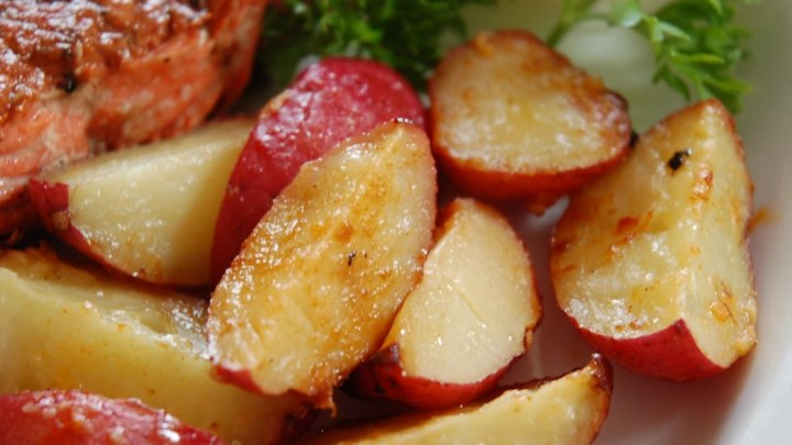 how to make garlic red potatoes